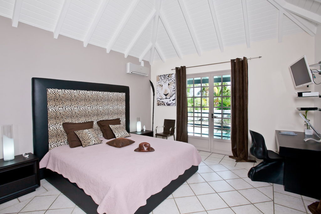 """Master"" Suite - Bedroom and office - pool view"