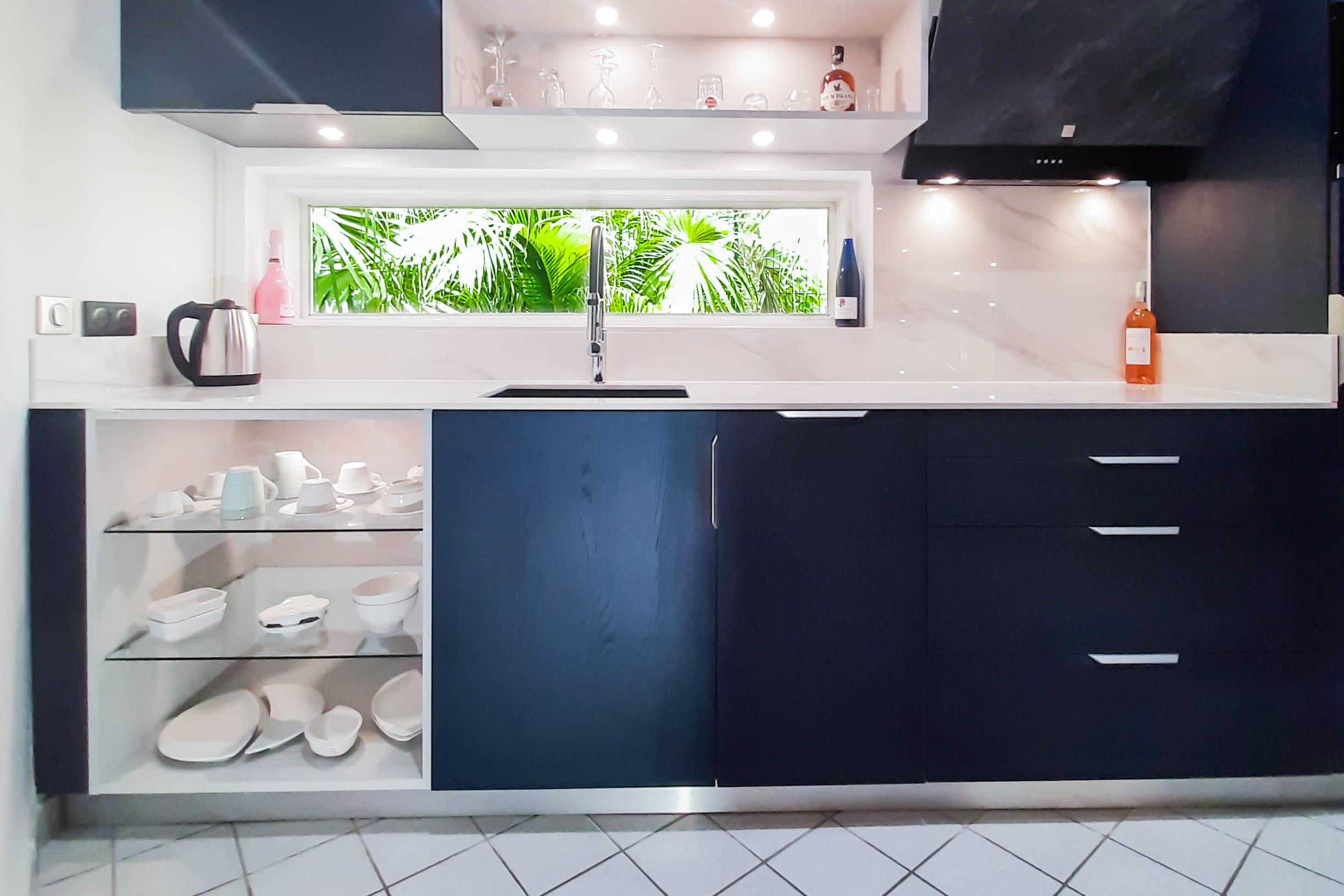 Cuisine Master avec plaque à induction nouvelle génération intégrée dans le plan de travail en céramique - exclusivité CooKing RAK